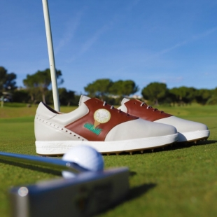 Are you addicted to golf? ⛳ We have the perfect shoes for you🎖  Make the perfect swing 🏌