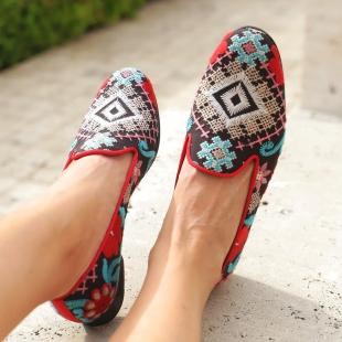 NICOLE DELHI CROSS STITCH  DELHI CROSS STITCH, GROSGRAIN TRIM, LEATHER LINING, LEATHER SOLE, 14MM HEEL, DUST BAG, SHOE-HORN AND BOX MADE IN SPAIN  HANDMADE MADE TO ORDER IN 21 DAYS  📱 www.shoesfactory1985.com  #zapato #shoes #moda #zapatos #fashion #shoe #calzado #tacones #shoedesigner #shoeblog #illustrator #fashionillustration #fashionblogger #designer #blogger #ashoeaday #sketch #shoedesign #scarpe #illustration #botas #fashiondesigner #fashionblog #design #ashoeadaykeepsthedoctoraway #tienda #shoesketch #shoeblogger #instaart #fashionsketch