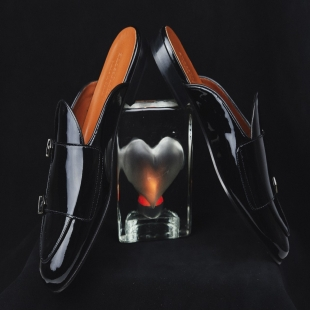 MULE BLACK PATENT LEATHER  BLACK PATENT LEATHER, BIT ORNAMENT, LEATHER TRIM, LEATHER LINING, LEATHER SOLE, 16MM HEEL, DUSTBAG, SHOE-HORN AND BOX, MADE IN SPAIN, HANDMADE TO ORDER IN 21 DAYS  MULE FOR MEN  📱 www.shoesfactory1985.com #sneakers #zapatos #deportivas #shoes #fashion #spain #handmade #madeinspain #usa #shopping #bespokeshoes #bespokestyle #kill #amazingshoes #style #espardenyes #riviera #drivershoes #drivingshoes #eeuu #unitedstates
